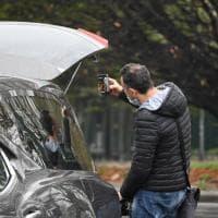 Coronavirus a Torino, l'ultimo dolore: uno solo ai funerali e i parenti partecipano via smartphone