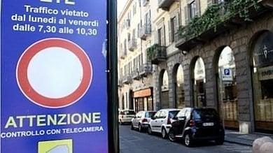 Ztl sospesa a Torino fino al 18 aprile,  non si paga sulle strisce blu