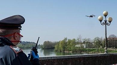 Coronavirus, a Torino arrivano i droni di vigili e carabinieri per controllare i parchi