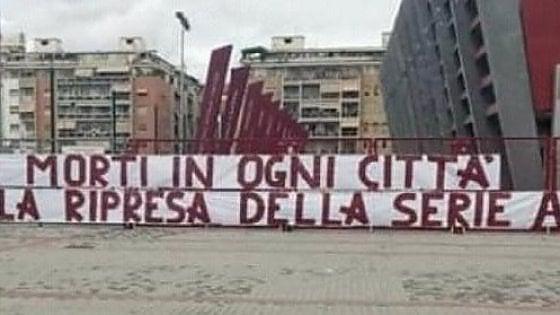 """Torino, striscione ultras sullo stadio Filadelfia: """"Migliaia di morti in  ogni città. Ma voi pensate alla ripresa della serie A"""" - la Repubblica"""