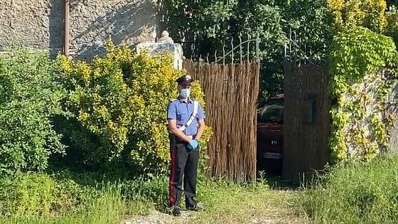 Bussoleno, due gemelle di 66 anni trovate morte in casa: i vicini non le vedevano da tempo, indagano i carabinieri
