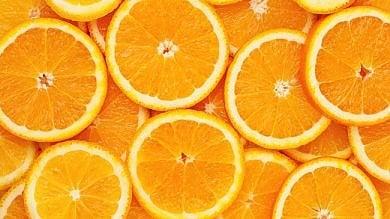 """Come 2000 arance al giorno: la """"bomba"""" di vitamina C che aiuta a combattere il cancro"""