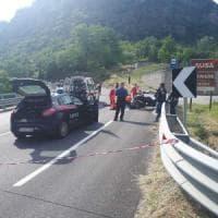 Val di Susa, scontro frontale tra moto e scooter: morti due centauri, un uomo e una donna