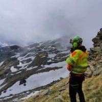 Escursionista precipita sotto gli occhi della compagna: soccorso nella nebbia