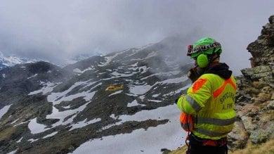 Escursionista precipita sotto gli occhi della compagna: soccorso in mezzo alla nebbia