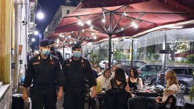 All'aperto senza mascherina: una trentina  le multe, molte tra il popolo della movida