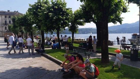 Turismo in crisi, il Piemonte anticipa al 3 giugno l'apertura delle spiagge sui suoi laghi