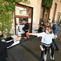 Torino, l'idea del Comune: nelle vie della movida isole pedonali a numero