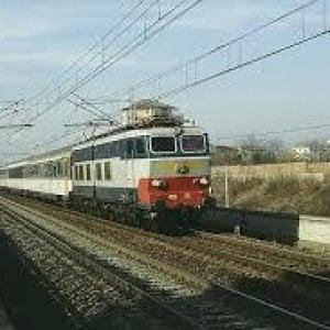 Ritardi sulla linea ferroviaria Torino-Modane per delle persone in galleria