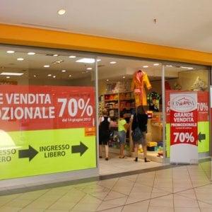 Piemonte, la Regione dà via libera ai saldi mascherati da vendite promozionali