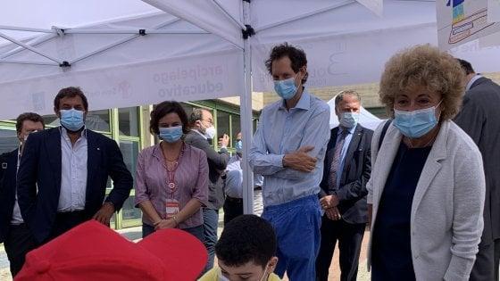 Save The Children: John Elkann con gli scolari di Barriera Milano per il progetto delle fondazioni Agnelli e Bolton Hope