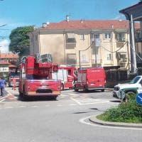 Orbassano, brucia il parcheggio sotterraneo: vigili del fuoco mobilitati e strade chiuse