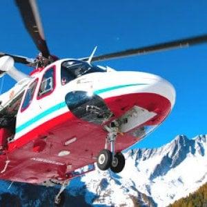 Aosta,  escursionisti bloccati alla funivia Skyway del Bianco: salvati dal soccorso alpino