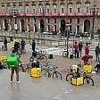 """Torino, 373 euro di multa ai rider che protestavano nel lockdown: """"Era un assembramento"""""""