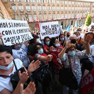 """L'ira di 2500 voci: """"Da giugno senza più cassa: prendiamo 200 euro al mese"""""""