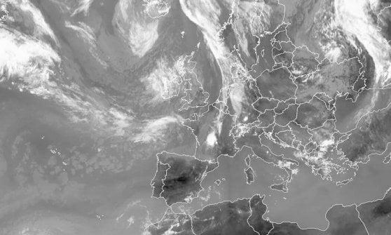 Ancora una notte tropicale, poi domani pomeriggio forti temporali su tutto il Piemonte