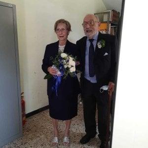 """Asti, a 90 anni sposa l'ex badante della madre: """"Non è mai troppo tardi per dire sì"""""""