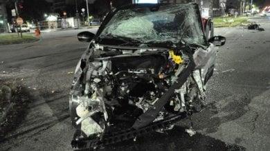 L' alta velocità causa un drammatico incidente in corso Francia: tre feriti