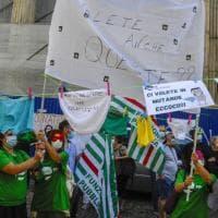 """""""Eroi lasciati in mutande"""": i lavoratori della sanità privata in piazza"""