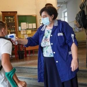 Febbre misurata a scuola: per almeno 24 ore non cambia nulla,nonostante il ricorso del governo