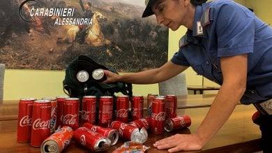 """Alessandria, ragazzi lanciano lattine di Coca contro le auto di passaggio: """"Solo un gioco"""""""