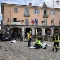 Monforte d'Alba, suv a tutta velocità contro gruppo di turisti: le immagini