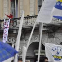 Aosta, contesta Salvini con la maschera della Casa di Carta: denunciata in base alla...
