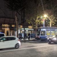 Torino: travolto da un tram alla Crocetta, muore un senzatetto