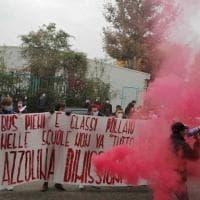 In strada gli studenti dell'Istituto Carlo Levi: no alla didattica a distanza