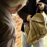 Arrestato per truffa agli anziani, evade dai domiciliari: ripreso, il giudice