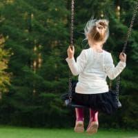 """Tre sorelle tolte ai genitori e separate in nome del """"reset"""": il grido d'aiuto di Anna,..."""