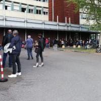 Vaccino, tre ore di coda per anziani e disabili: incubo all'ospedale Giovanni Bosco di...