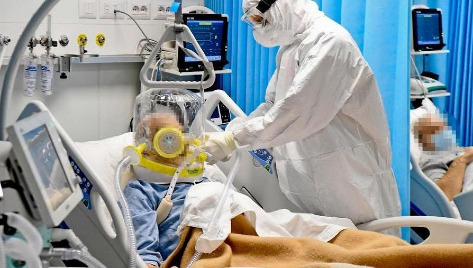 """Biella, rifiuta il vaccino e si ammala di Covid: lettera ai medici dell'ospedale, """"Vi chiedo scusa"""""""