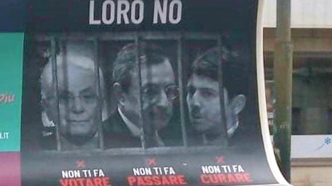 Mattarella dietro le sbarre con Draghi e Speranza, bufera sul prof  candidato outsider a sindaco di Torino - la Repubblica