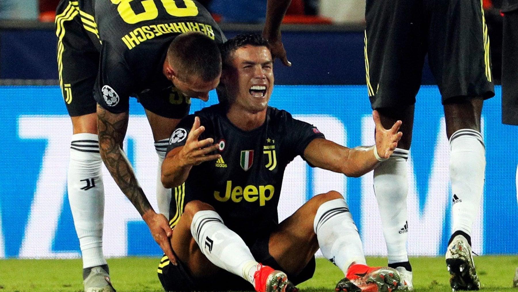 Cristiano Ronaldo espulso: esce in lacrime durante Valencia-Juve