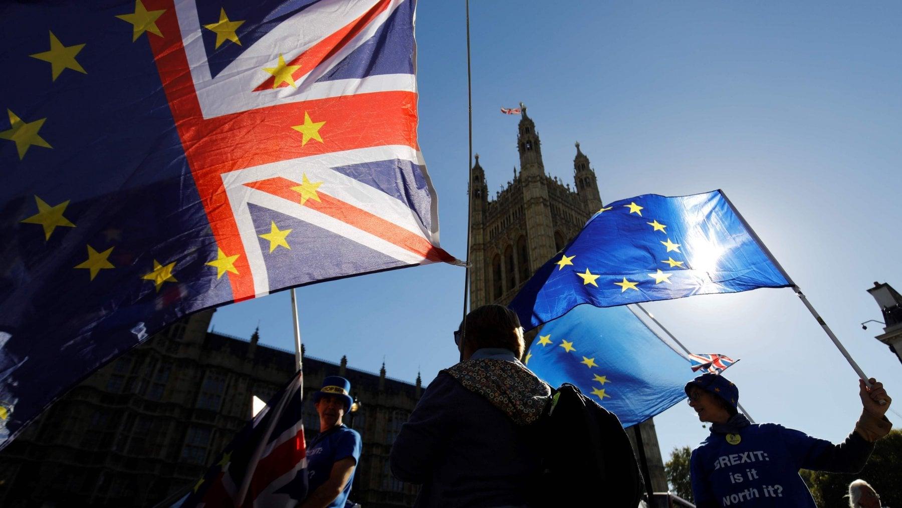 Brexit, sì di Londra all'intesa con la Ue