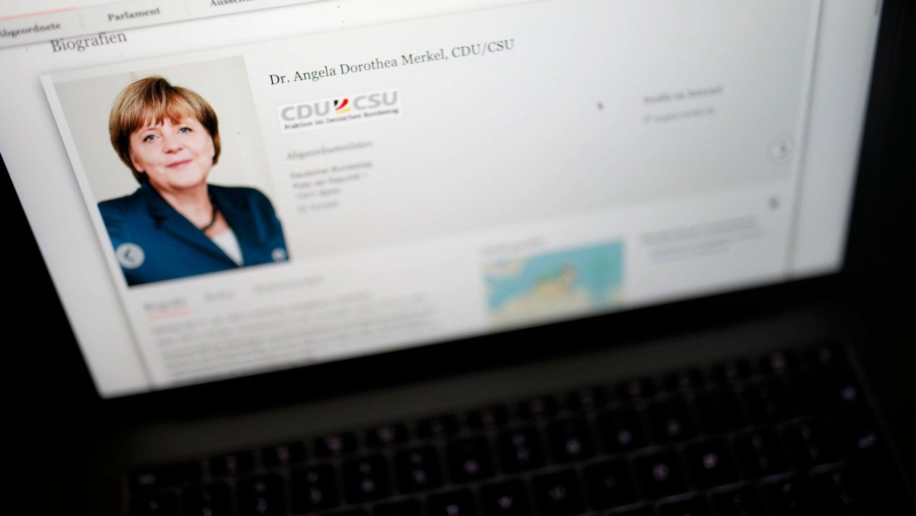 Germania: cyber-attacco, fermato un giovane