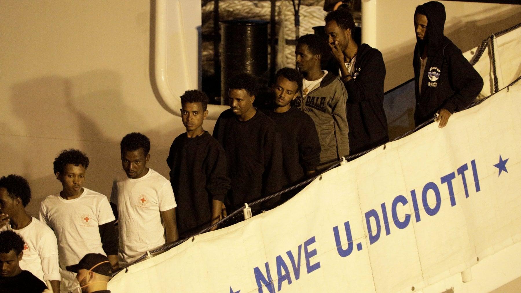 Migranti: Salvini, Ue si muove su Sea Watch? Nostra linea paga