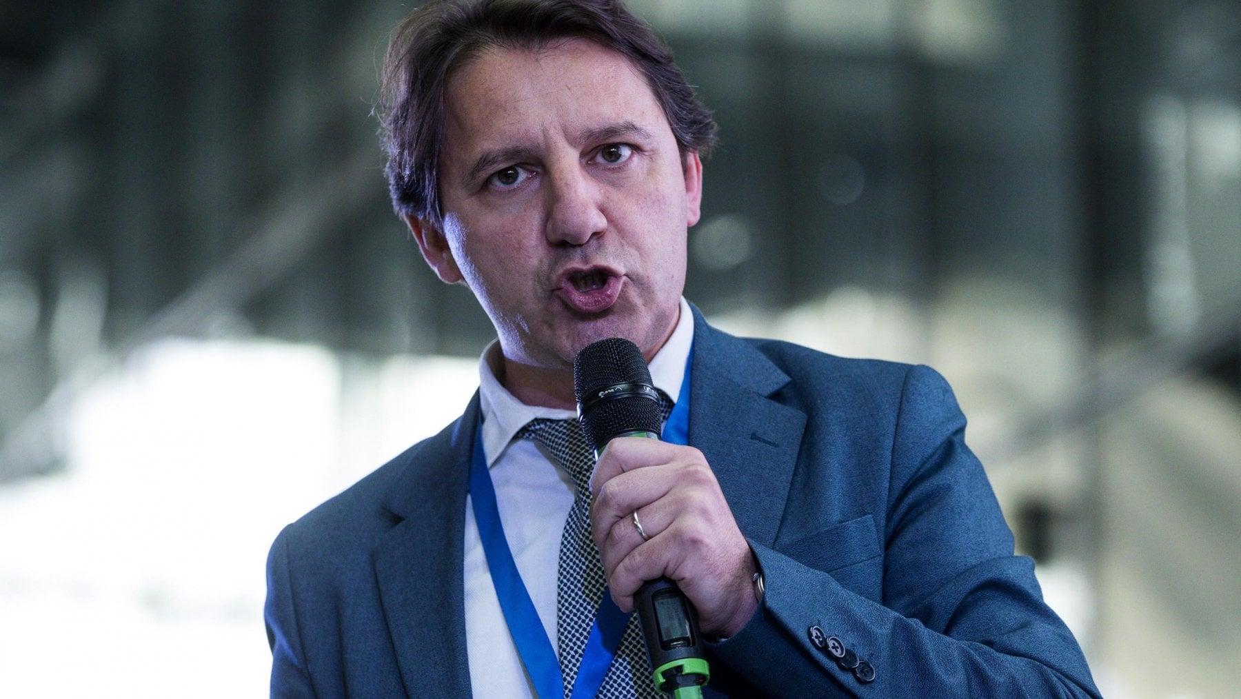 """""""Il Governo ha appena tagliato le #pensioni a 6 milioni di persone. Stiamo parlando di pensioni a partire da 1500 euro lordi al mese. Salvini e Di Maio, vergognatevi!"""". Il […]"""