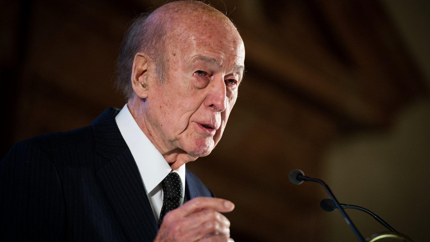 """122751497 f84d6a97 82e6 49d8 b064 2c805c43eb30 - Francia, morto l'ex presidente Valery Giscard d'Estaing. La famiglia: """"È stato il Covid"""""""