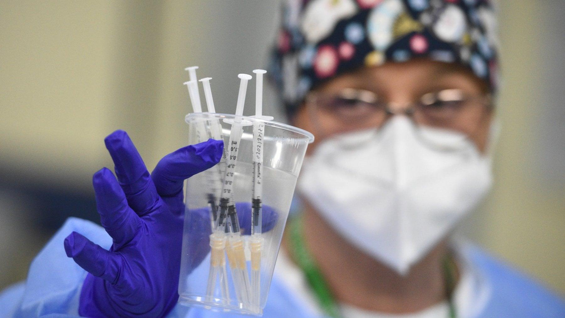 214723748 55c0ece5 873e 4177 806e 8ff85e1fcbed - Germania, accordo con BioNTech per altri 30 milioni di dosi di vaccino. Errore in casa di riposo: iniettate 5 dosi a operatori sanitari