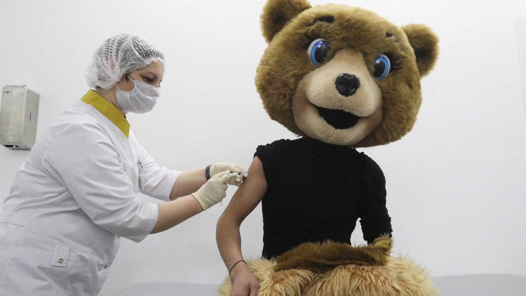 """161618249 e47835c6 1f4e 4a47 a437 34ef4ca721d8 - Coronavirus, la Russia attacca la Slovacchia: """"Contro il vaccino Sputnik disinformazione e sabotaggio"""""""
