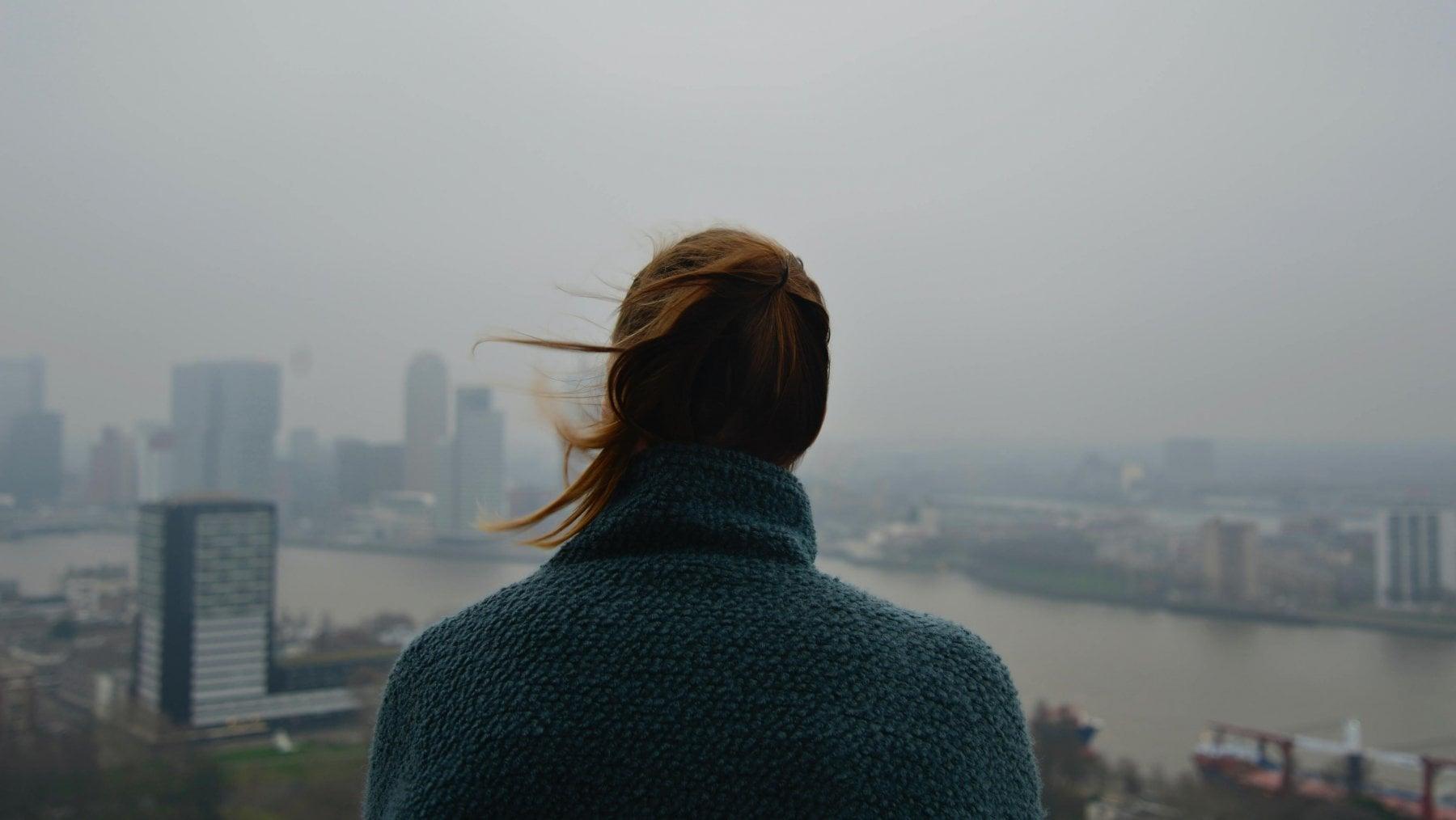 Sei ansioso? Può essere colpa dello smog
