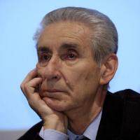 Blog, Grillo attacca tutti:<br />&quot;Maestrini dalla penna rossa&quot;