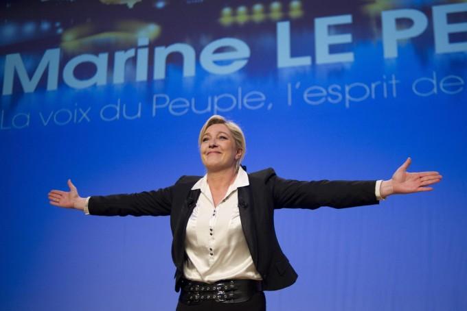 Francia, sondaggio: Front National  in testa per elezioni europee