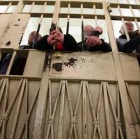 Carceri, scontro Pd-Pdl. Grillo contro Colle.Sovraffollamento, Consulta: no rinvio pene