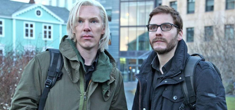 Julian Assange, lettera a Cumberbatch:<br />&quot;Bravo, ma il film &egrave; un lavoro miserabile&quot;