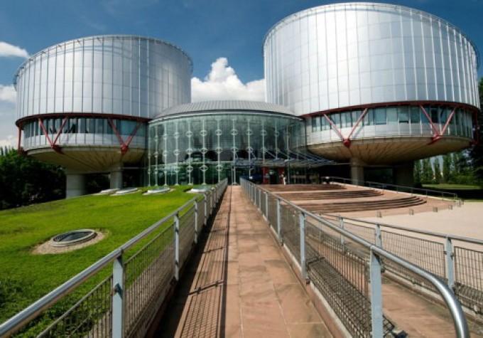 """""""Siti web responsabili dei commenti"""": giro di vite dalla Corte di Strasburgo"""