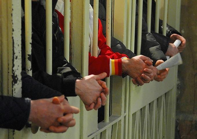 """Carceri, Cancellieri assicura: """"Amnistia-indulto non per Berlusconi"""""""