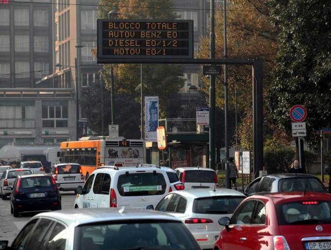 Italia, cala lo smog ma cresce il cemento meno 5 ettari al giorno, PM10 oltre soglia
